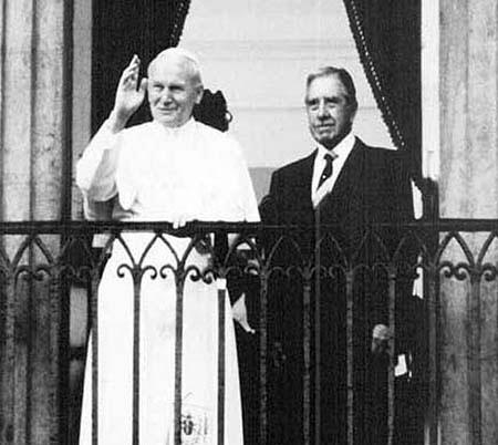 Juan-Pablo-II-Pinochet